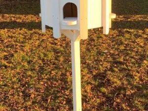 NEW DOVECOTE BIRD HOUSE PAINTED WHITE GARDEN DECOR BIRD FEEDER TABLE DOVE HOUSE