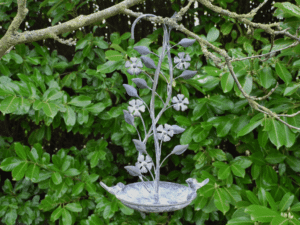 Metal Hanging Bird Feeder Flower Effect
